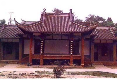 中国建筑 戏楼    键为罗城镇戏楼为全木结构,单檐歇山式屋顶.
